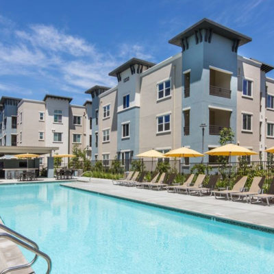palomar-station-amenities-pool-apartments-san-marcos2